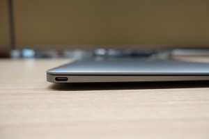 Macbook Retina USB-Cポート